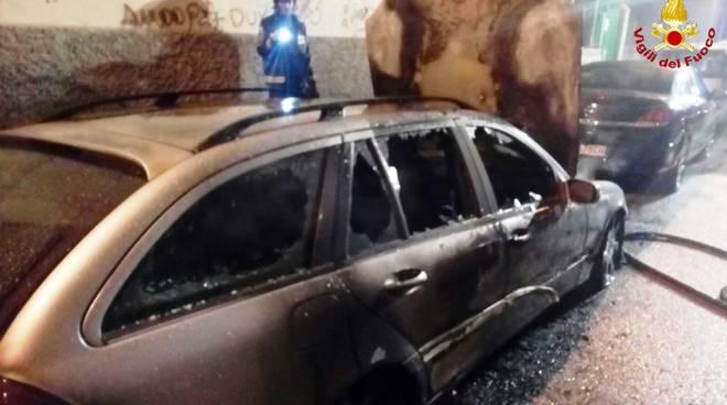 auto bruciata 23 dicembre 2017 piromane