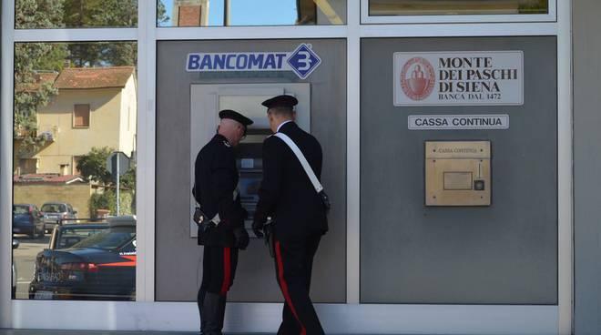 carabinieri banca rapina