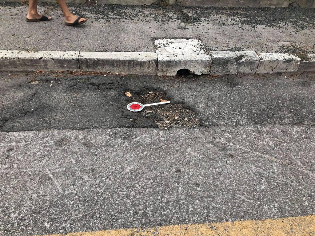 Caduta buca via Montebianco