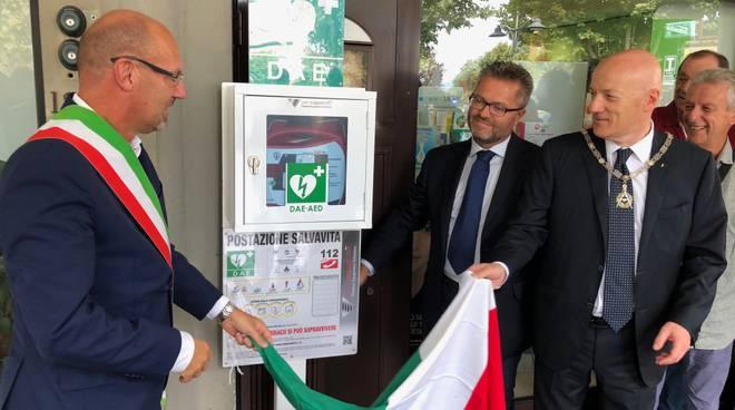 defibrillatore farmacia Massa - inaugurazione