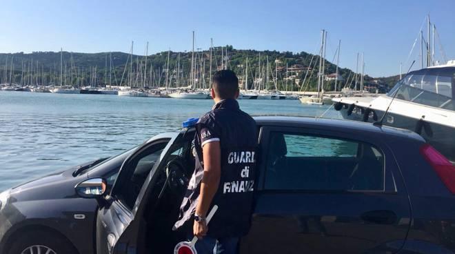 gdf operazione evasione albergo Argentario