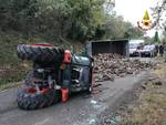 incidente mortale trattore ribaltato