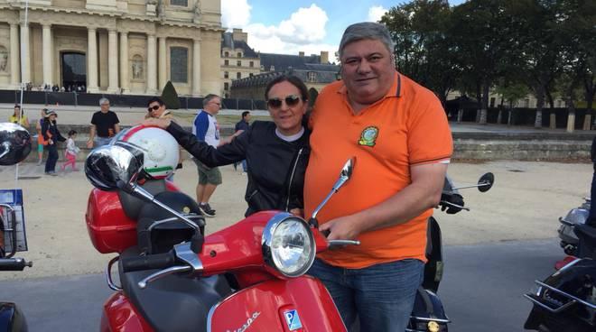 Vespa Parade Parigi