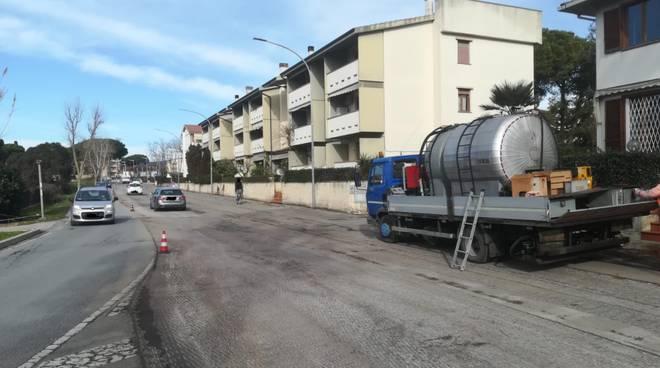asfaltatura viale Europa Follos lavori pubblici