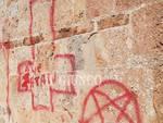 scritte sataniche
