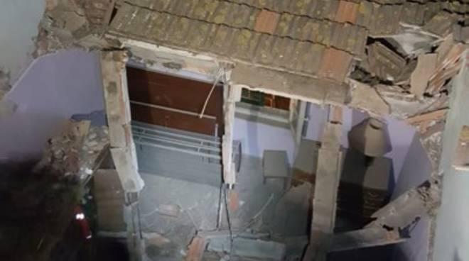 Crollo tetto Pian d'Alma 2019
