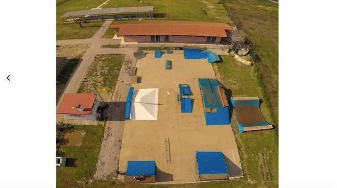 Blue Park per skate via Lago di Varano