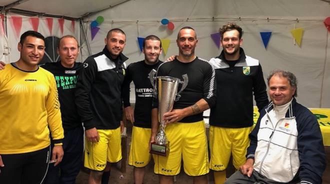 Supereroi Ugo's Pug Team vincitori Zona Sud