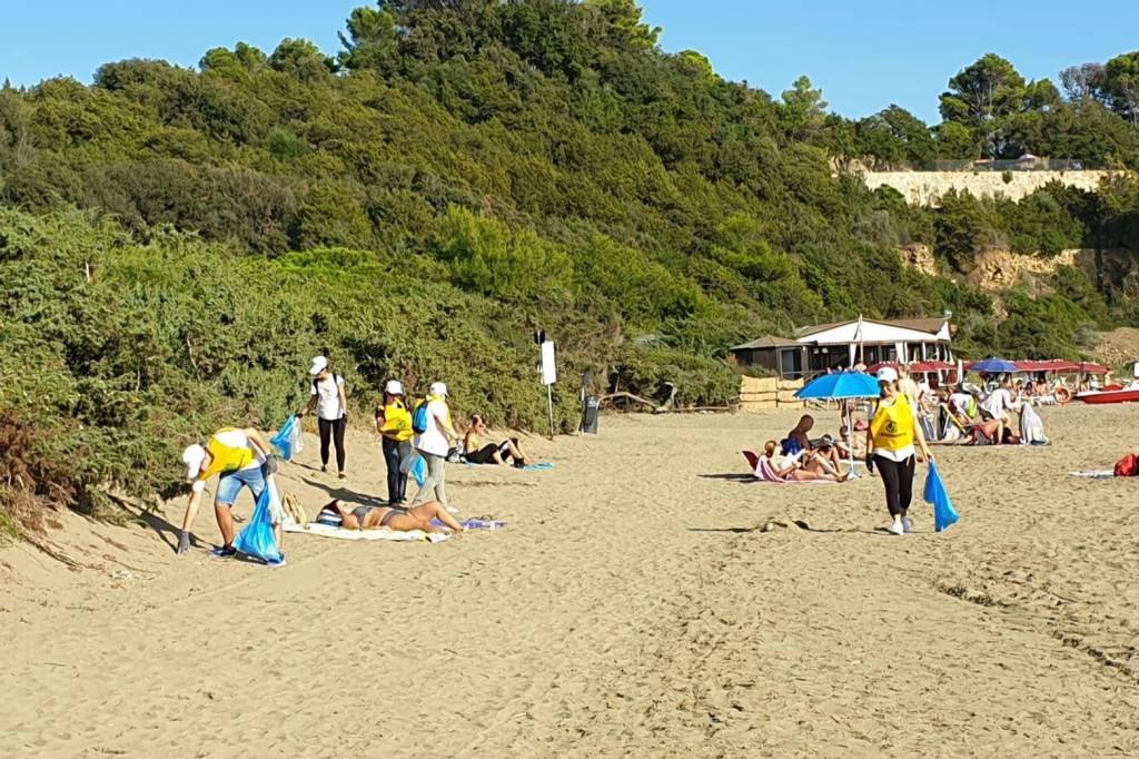Puliamo il mondo spiaggia