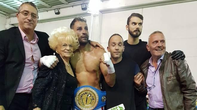 Castellucci campione superwelter