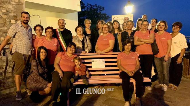 Panchina rosa Giuncarico