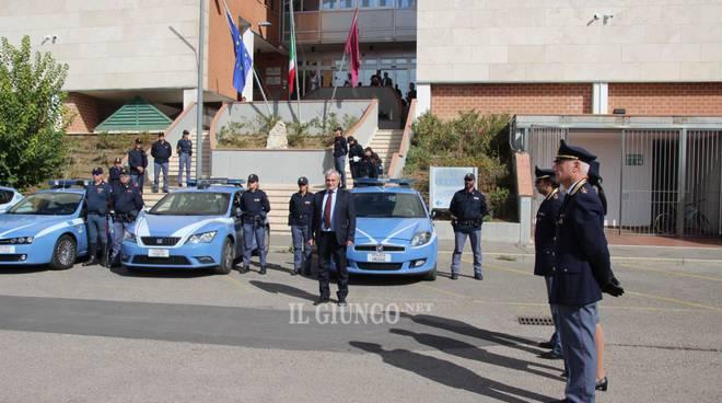 Sirene e lampeggianti per i due agenti uccisi a Trieste