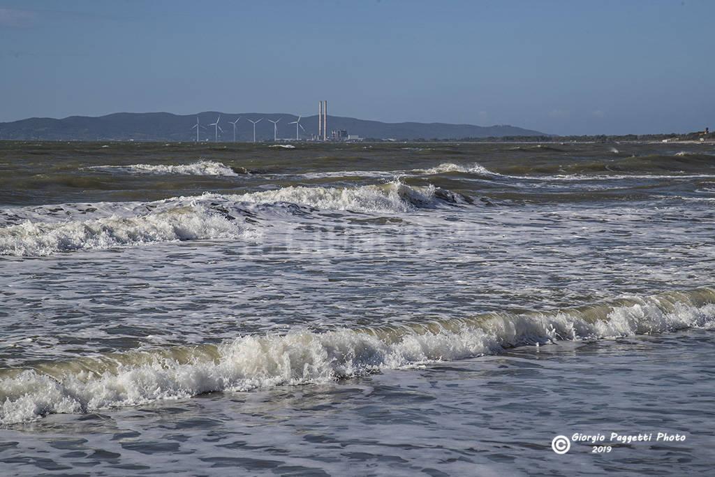 mare mareggiata Follonica