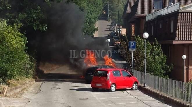 Auto in fiamme Gav