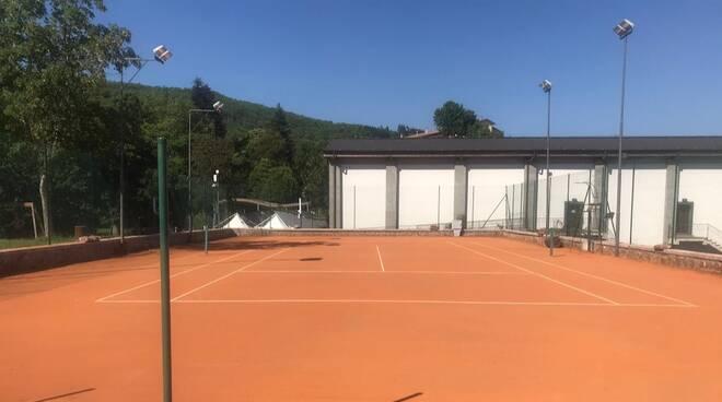 Campo tennis Santa Fiora