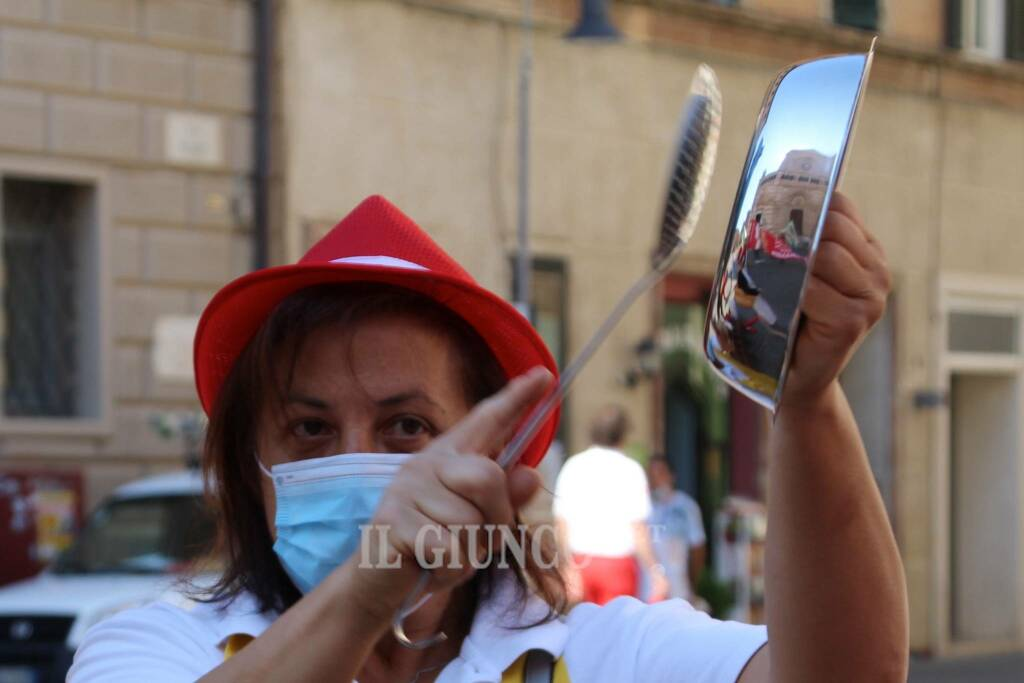 Manifestazione lavoratrici mense