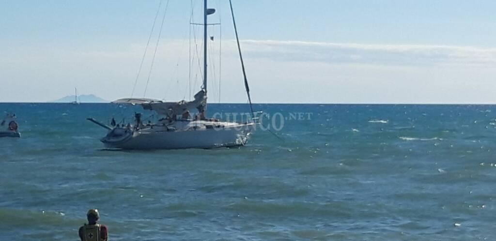 Barca a vela con motore in avaria - 25 luglio 2020