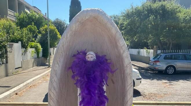 Statua della Madonna sulla ciclabile
