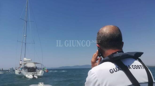 barca a vela incagliata 1 agosto