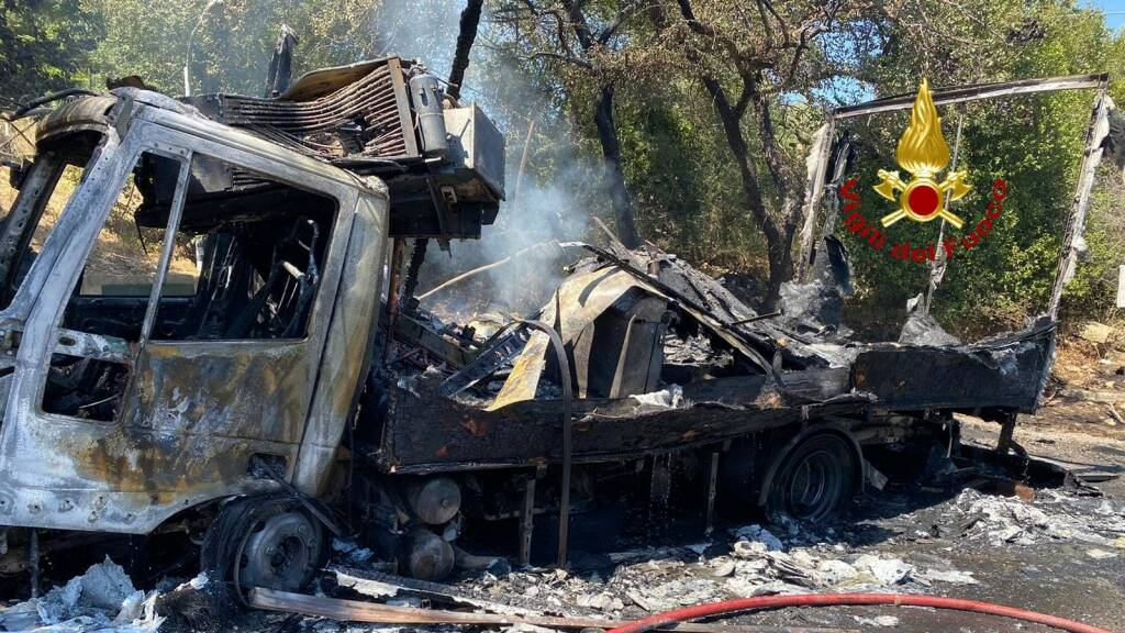 camion in fiamme 11 agosto