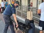 controlli anti droga guardi di finanza stazione