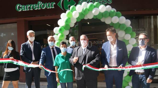 Inaugurazione supermercato Carrefour di via Montebello