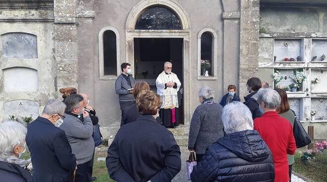 vescovo cetoloni cimitero torniella