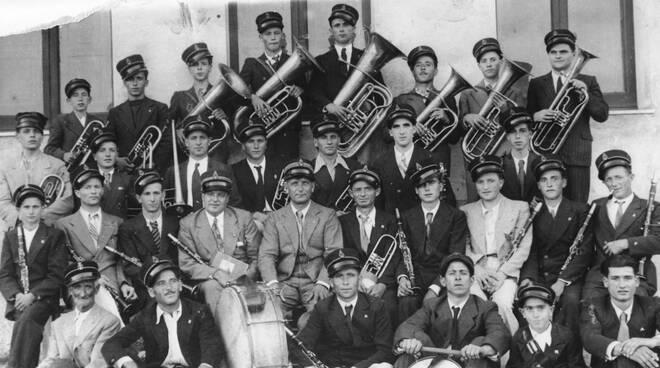 """corpo bandistico """"Ruggero Francisci"""" anni '30"""