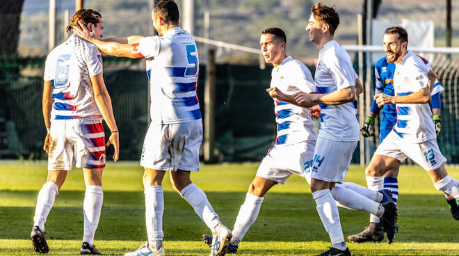 Follonica Gavorrano batte Foligno 3-0