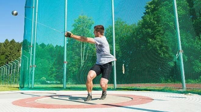 gabbia dei lanci per il campo di atletica