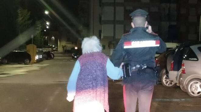 donna vaga per la città 11/1/2021