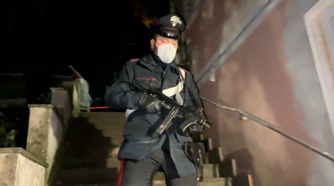 operazione carabinieri enclave