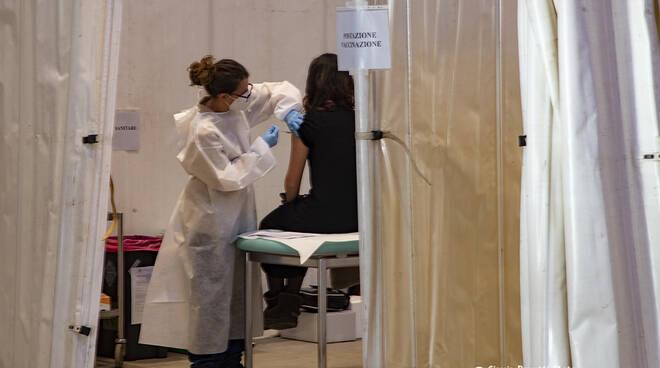 Vaccini AstraZeneca Foll.