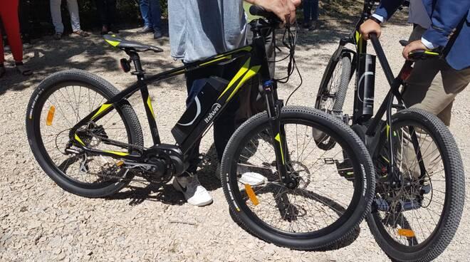 biciclette bicicletta bike box elettrica