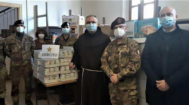 """donazione esercito per """"fratello povero"""""""