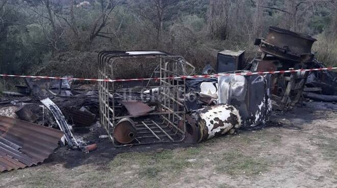 incendio rifiuti Caldana