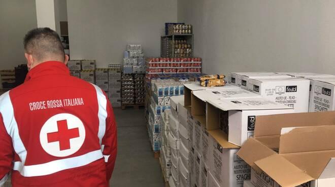 raccolta e distribuzione alimentare cri - croce rossa