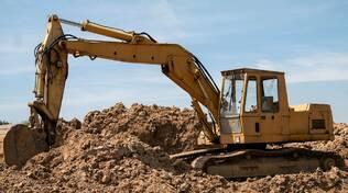 Gru su autocarro, macchine per movimento terra, escavatore - corsi