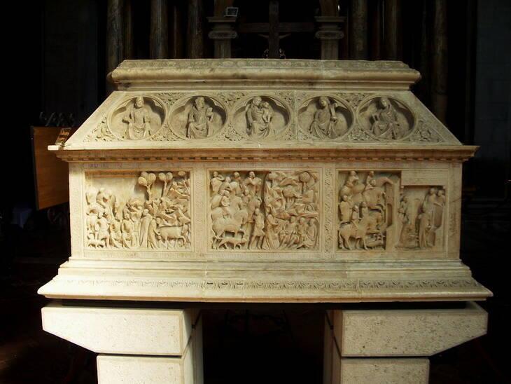Il sarcofago di San Cerbone