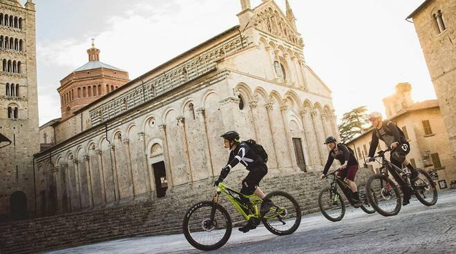credits FOTO DUOMO BIKERS: Enduro Mountainbike Magazine