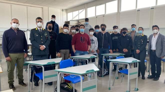 gdf a scuola