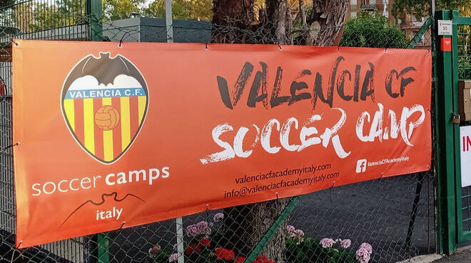 Camp Valencia - Invictasauro