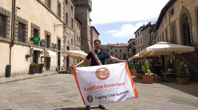 bandiera arancione santa Fiora Balocchi