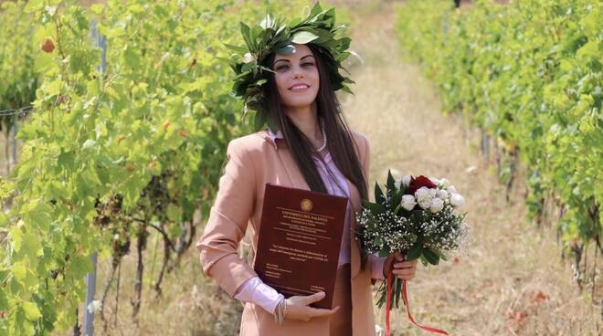 Carol Valente laurea