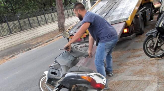 rottamazione auto abbandonate