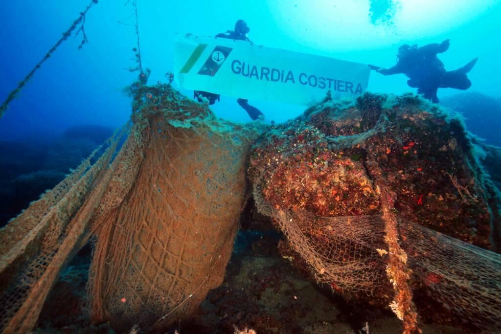 Recupero reti Guardia costiera