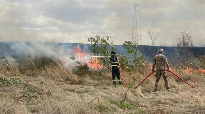 Incendio dietro al Cemivet